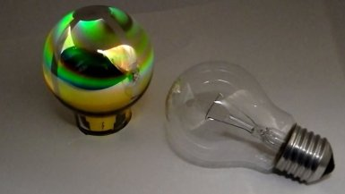 EMDEOLED-OLED-light-bulb-prototype